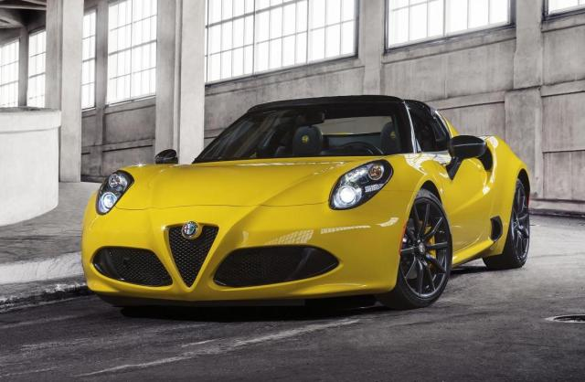 The production version of the Alfa Romeo 4C Spider has been unveiled at the North American International Auto Show.